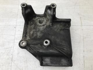 Запчасть кронштейн компрессора кондиционера Mitsubishi Galant 2002