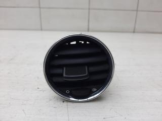 Запчасть дефлектор воздуховода Peugeot 308 2010