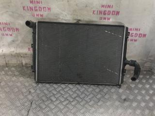 Запчасть радиатор охлаждения Volkswagen Jetta