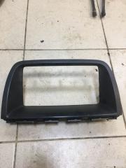 Запчасть рамка магнитолы Mazda CX-5