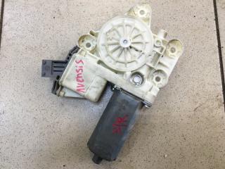 Запчасть мотор стеклоподъемника задний правый Toyota Avensis 2007