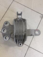 Запчасть подушка двигателя правая Opel Astra 2014