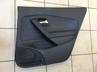 Запчасть обшивка двери задняя правая Volkswagen Polo 2014