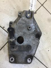 Запчасть кронштейн двигателя правый BMW X3