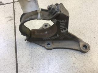 Запчасть кронштейн привода передний правый Ford Focus