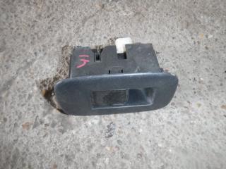 Запчасть кнопка стеклоподъемника задняя правая Toyota Auris 2008