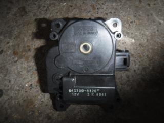 Запчасть мотор заслонки отопителя Toyota Auris 2008
