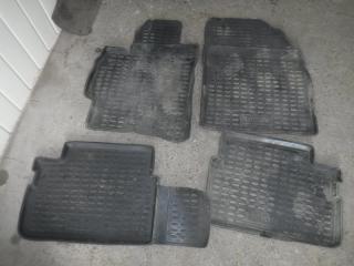 Запчасть коврики комплект Toyota Auris 2008