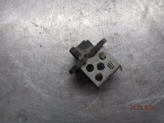 Запчасть резистор вентилятора LADA Largus 2013