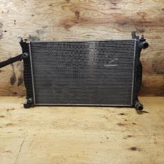 Запчасть радиатор двигателя AUDI A4 2002