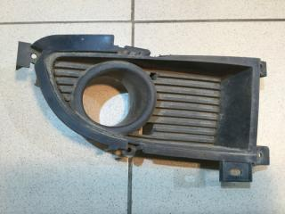 Запчасть решетка в бампер передняя правая Mitsubishi Lancer 9 2003-2008