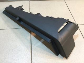 Запчасть направляющая шторки багажника левая Skoda Octavia 2004-2013