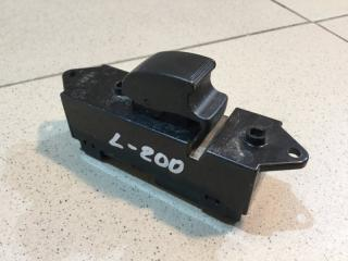 Запчасть кнопка стеклоподъемника задняя левая Mitsubishi L200 2006-2016