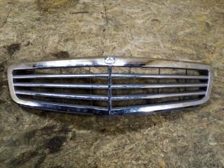 Запчасть решетка радиатора Mercedes Benz C