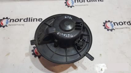 Запчасть мотор печки Skoda Oktavia A5 2008