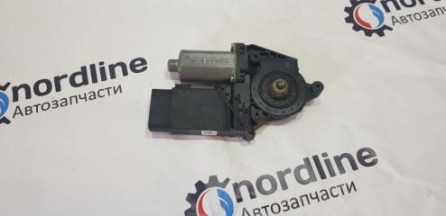 Запчасть мотор стеклоподъемника передний правый Volkswagen Passat B5+ 2001