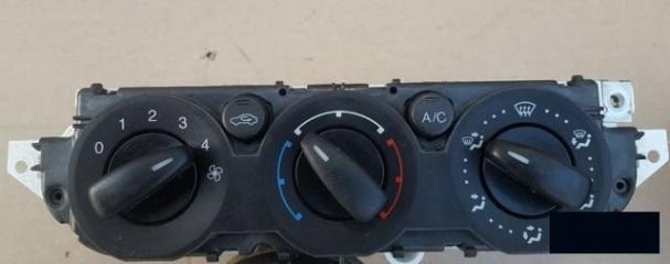 Запчасть блок управления отопителем кондиционером Ford Focus 2