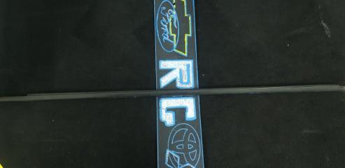 Запчасть бархотка передняя правая Chevrolet Cruze 2010